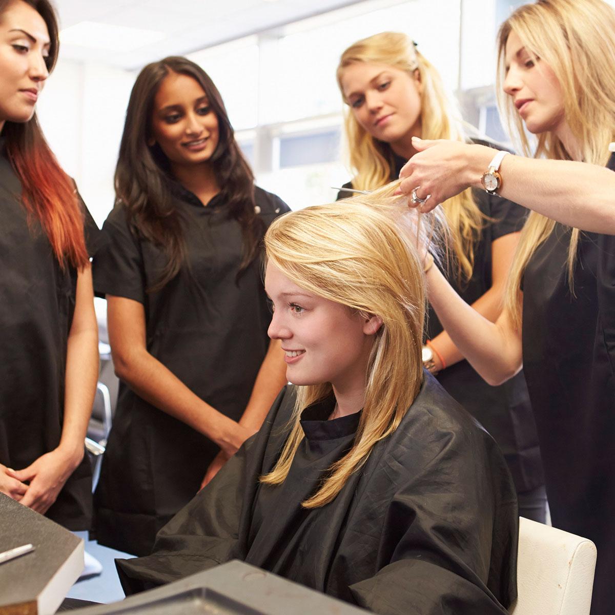 Puertas abiertas Salerm Academy, escuela de peluqueros